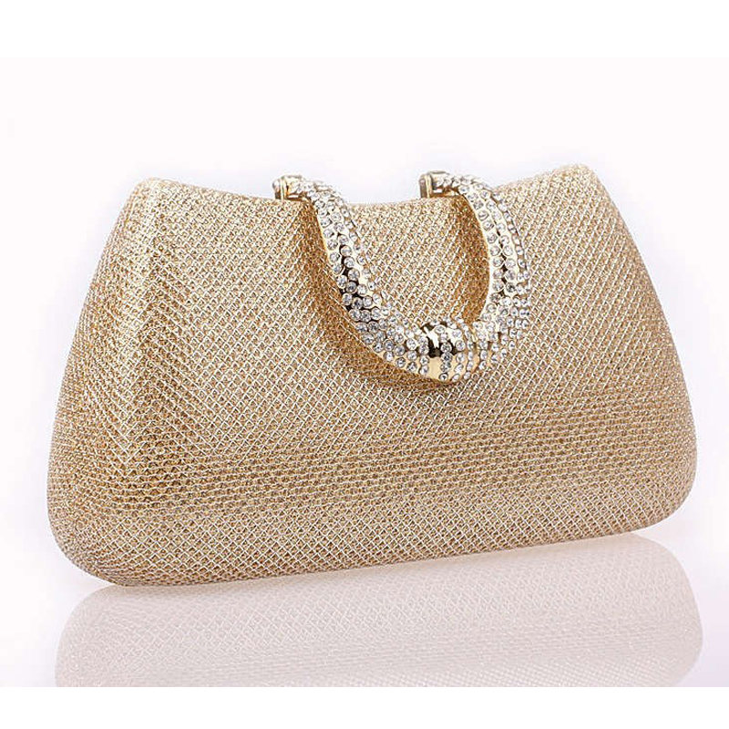 How to purchase clutch bags for ladies?