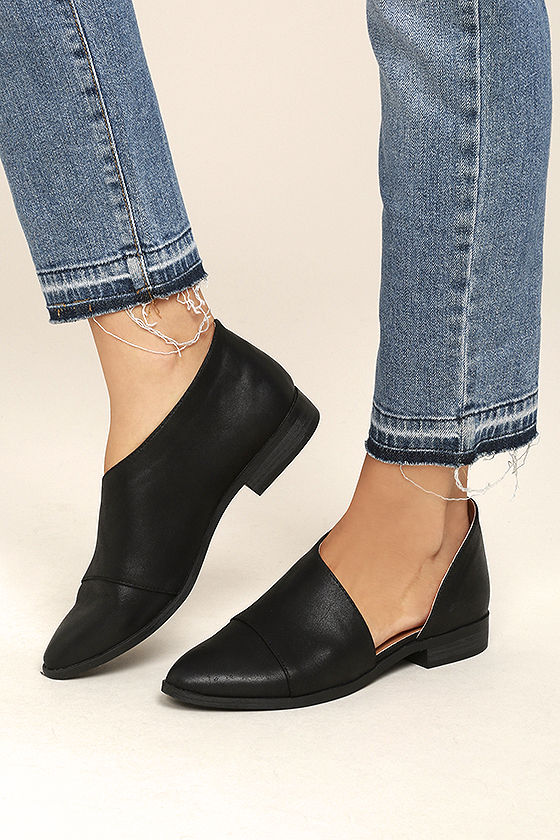Several types of ankle boots for women