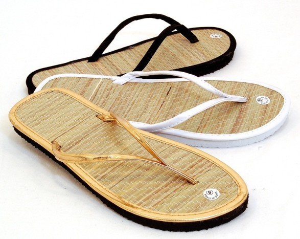 bamboo shoes it goes well with your every adornment and contrasts your feminine dress.  so go PSCNPCN