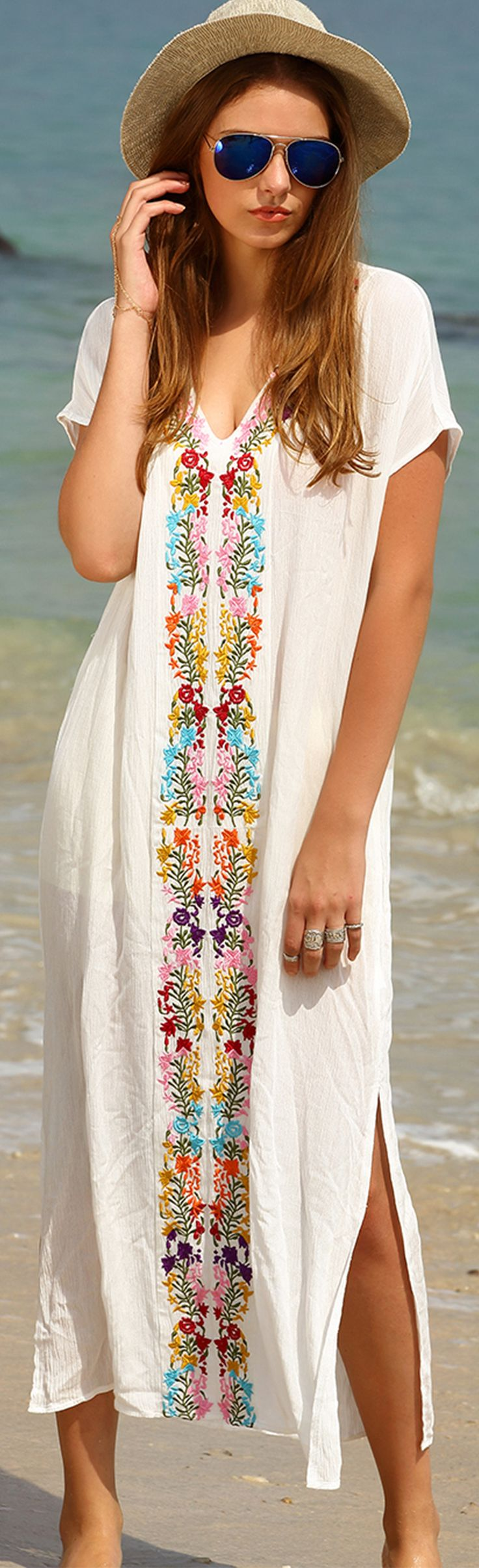 Styling tips for your beach dress