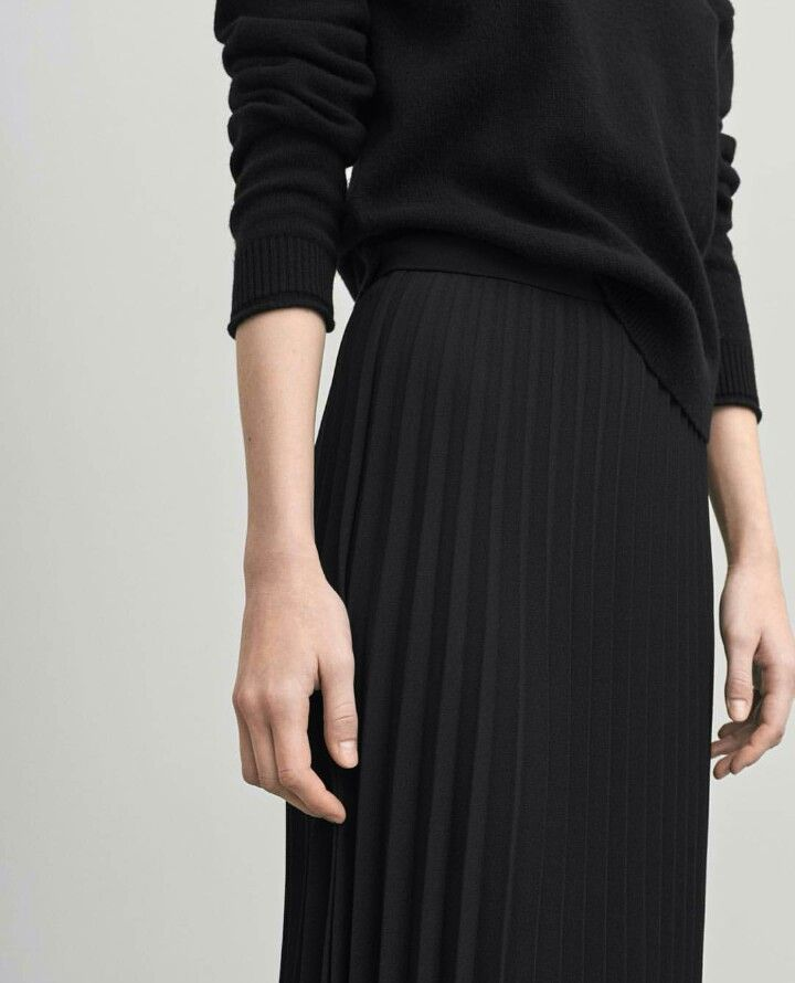 black pleated skirt filippa k #minimalist #style #capsulewardrobe. black pleated skirtpleated  ... MHZLUTJ