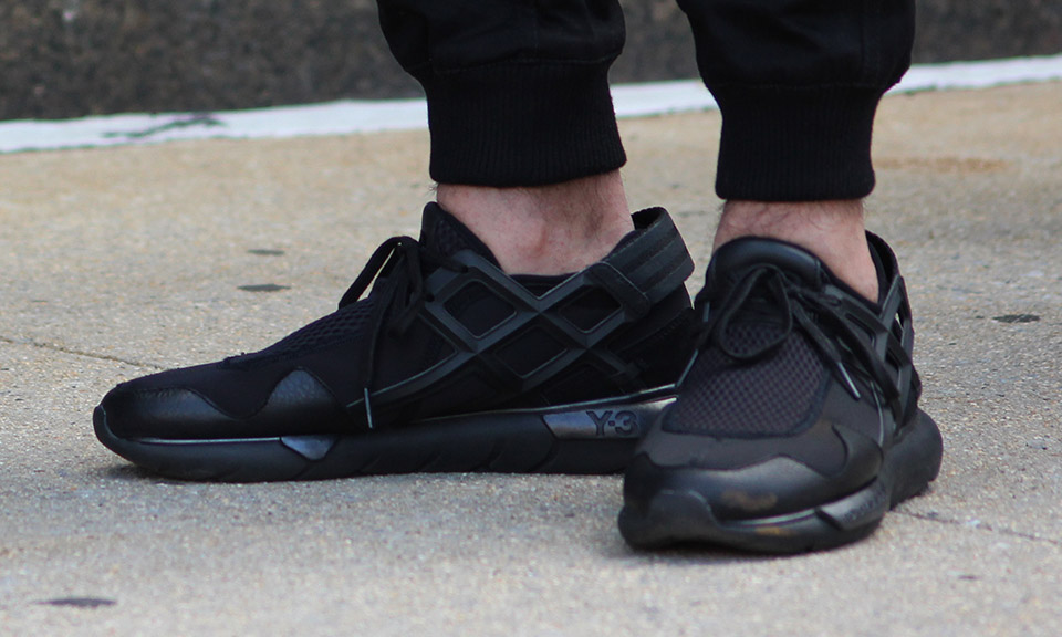 black sneakers affordable alternatives | 5 blacked-out sneakers for $100 and under |  highsnobiety WVNWROY