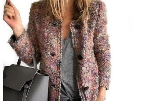 boucle jacket, grey tee and skinny jeans VILNRZS