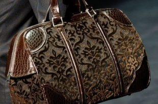 carpet bags the perfect bag for all my books and shoes and hairbrush and all my other SRWYDRH