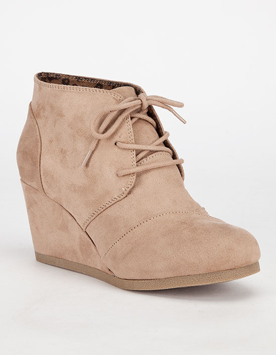 Most comfortable women wedges
