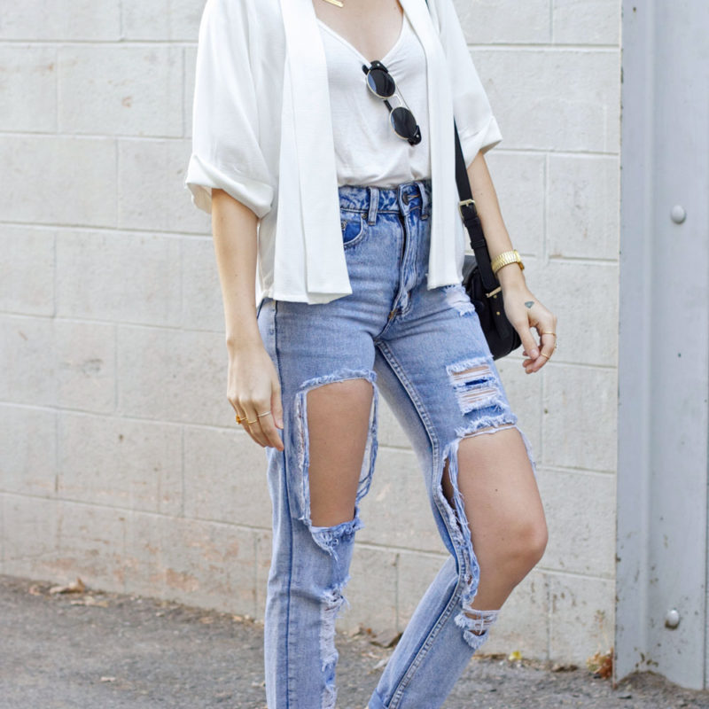 destroyed jeans ... ripped-jeans-outfit ... FUIRTPE