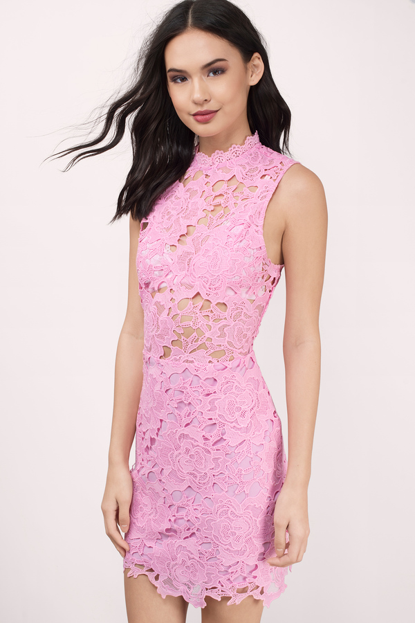 Dressing the lace up with lace dresses