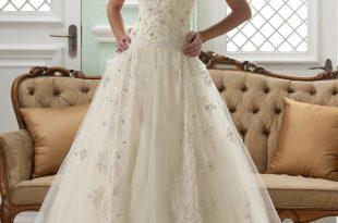 lace wedding dress a-line halter neck sleeveless floor-length court appliques lace wedding  dress LZOVTPI