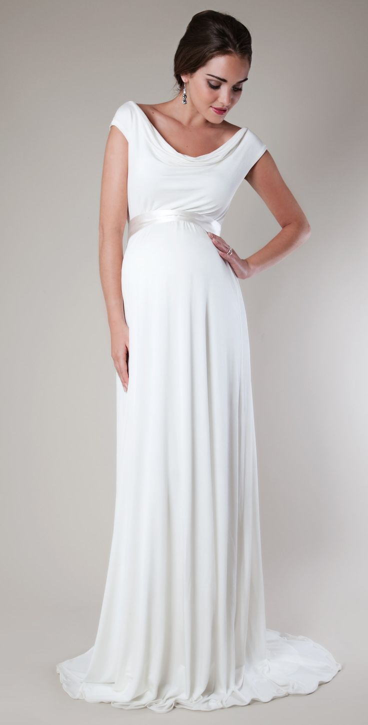 Few important points before buying maternity wedding dresses