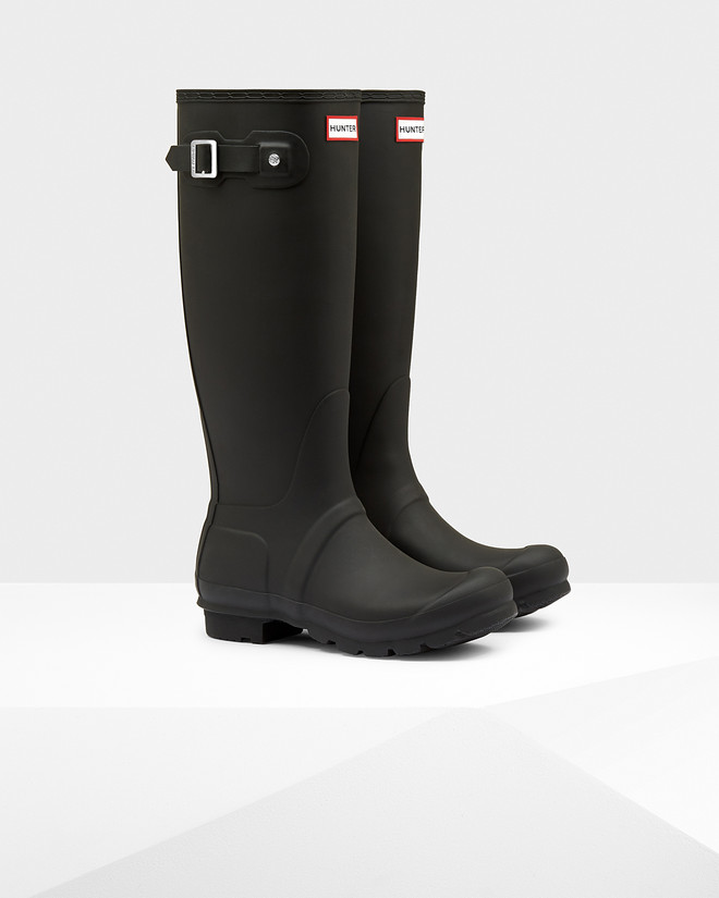 When rain hits ground, get stylish with sexy rain boots