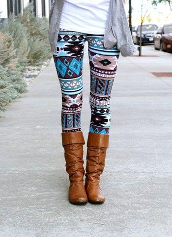 teal aztec leggings - cute way to pair patterned leggings - simple HMOVRAY