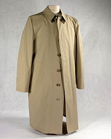 trench coat trenchcoat containing a bullet-proof vest liner, worn by gerald ford in  public after two IJZXXSZ