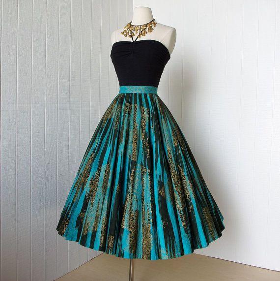 Look elegant with a vintage dress