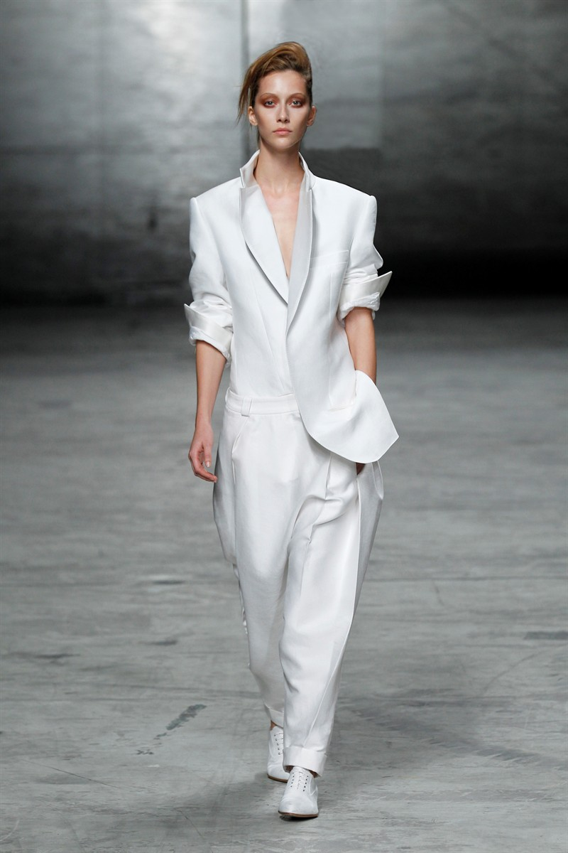 white suits for women white pant suits for women   white jackets and suits are trending now for ZRZSFZJ