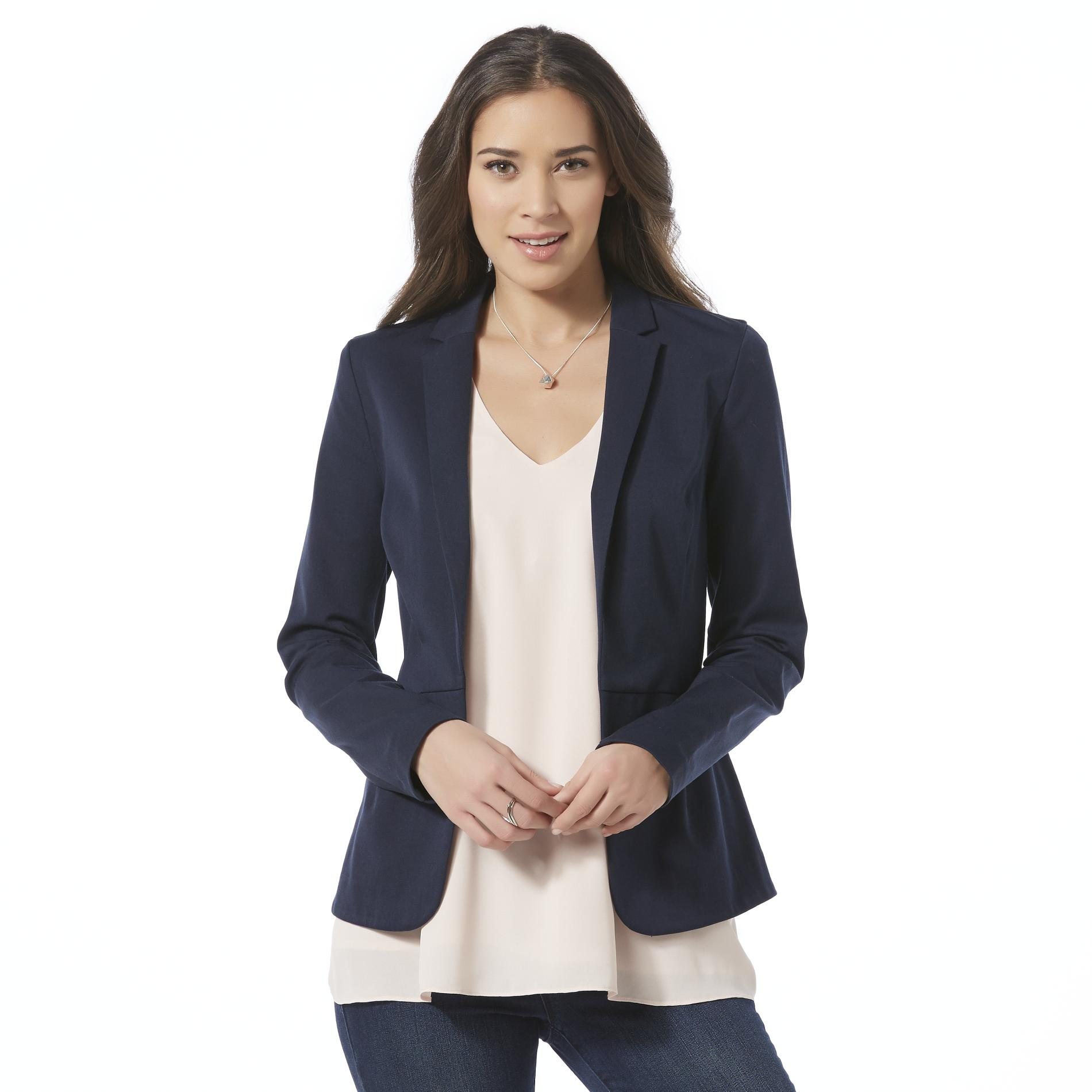 Fashionable women blazers a perfect choice