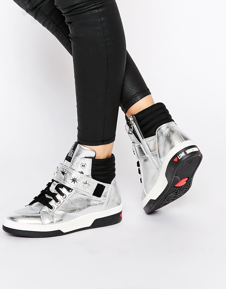 Know all about high womens high top sneakers