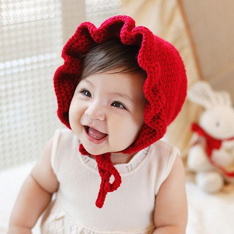 Make Your Newborna Princess Look by Wearing Baby Girl Hats