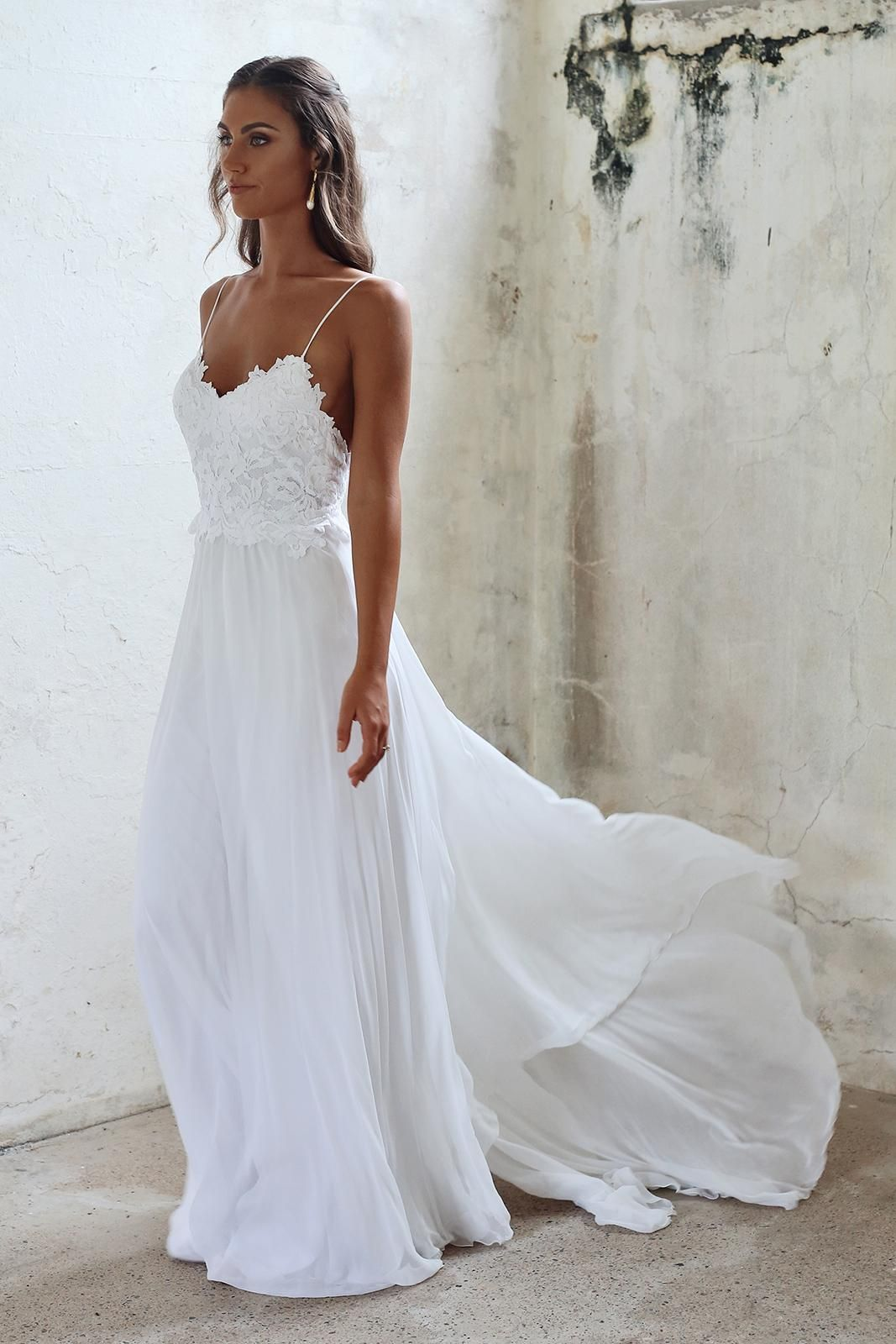 beach wedding dress such a pretty timeless and elegant wedding dress. would look perfect with  our boho MINYARD