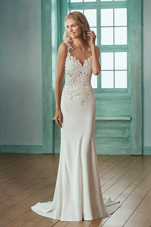 Beachy Wedding Dresses dressimg XRMEGNU