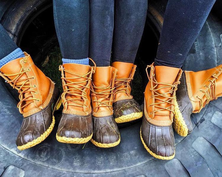 Bean boots take 20% off a pair of l.l.beanu0027s popular bean boots NFDZIPM
