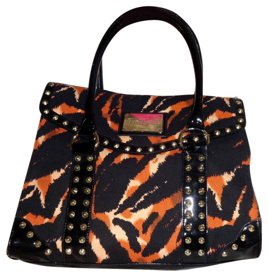 Change your style and look with The betseyville bags