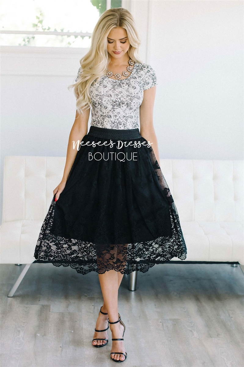 black lace skirt larger photo email a friend GUFYTTD