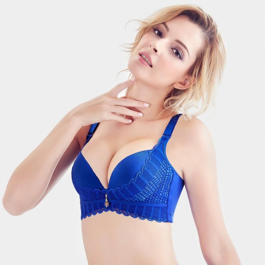 Be a Sexy Lady by Wearing Stylish Blue Bra