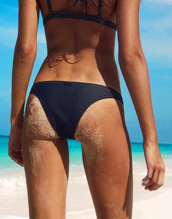 Getting The sexy look with Brazilian cut bikini