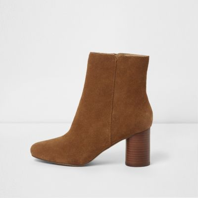 brown heeled boots tan brown block heel suede boots DDYNNKT