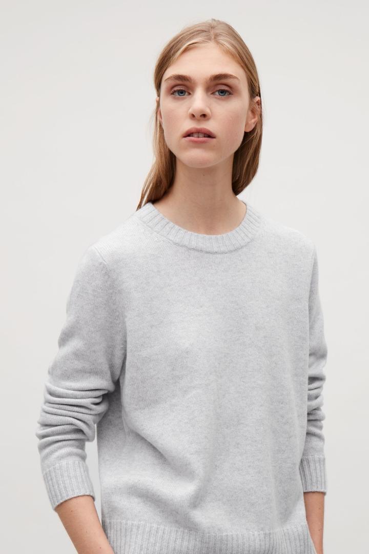 Cashmere Jumper cashmere jumpers cos image 2 of round-neck cashmere jumper in light grey  eurseqa GYLOWNQ