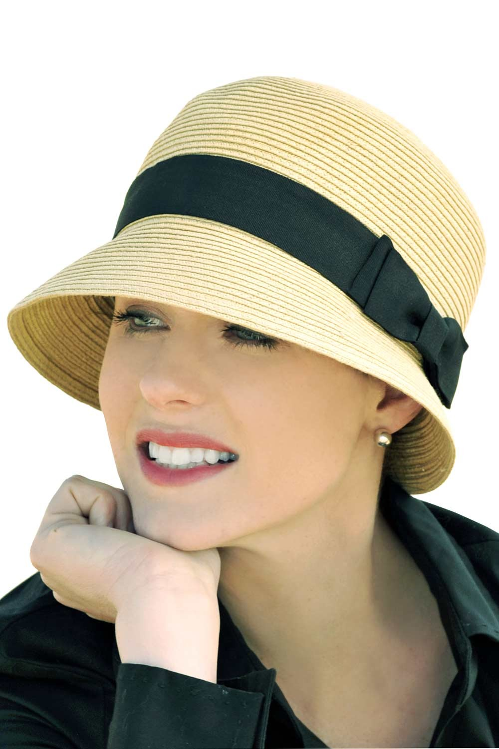 How to dress up with cloche hats