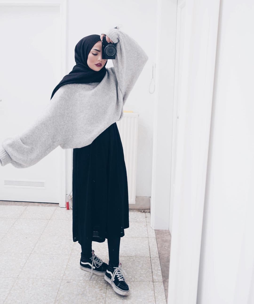 hijab fashion @sauf.etc on instagram- hijab style inspiration casual WFNRWJK