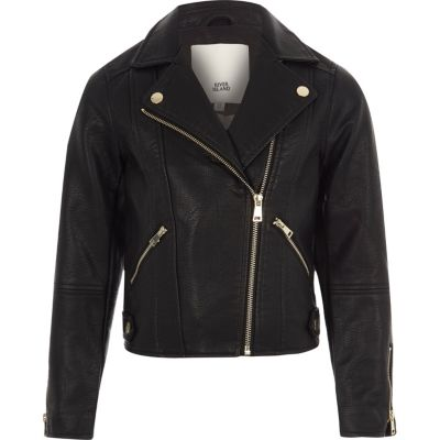 Buy stylish jackets for girls to complete your look easily
