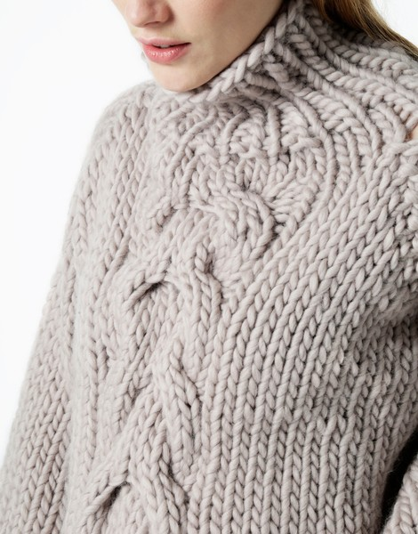 knit cable sweater cropped cable sweater | women | knitting kit | wool and the gang YVTHJAY