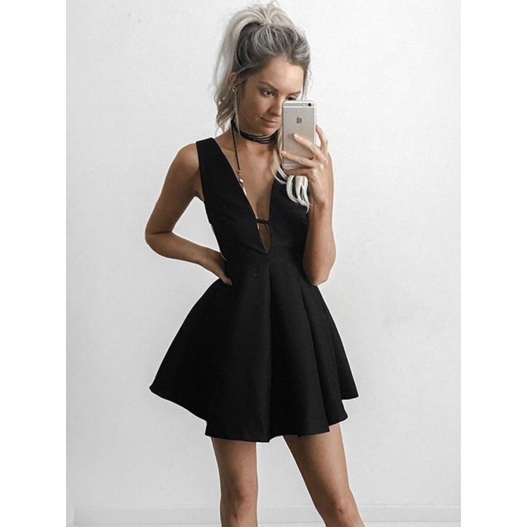 outlet mini homecoming prom dress short black dresses with pleated deep  v-neck comfortable prom ZKHDCVO