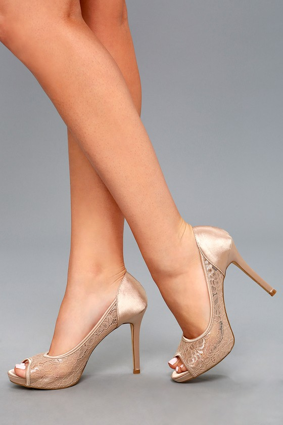Looking good with peep toe pumps