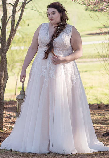 Plus Size Wedding Dress a-line court train tulle and lace wedding dress ld3932 EPKZSDJ