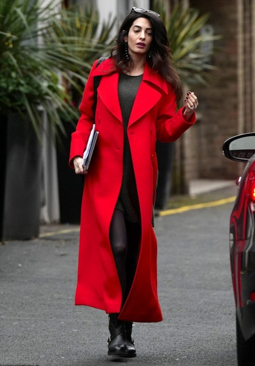red coat amal clooney was spotted in stella mccartney in london 21.02.2017 NJXYVTI