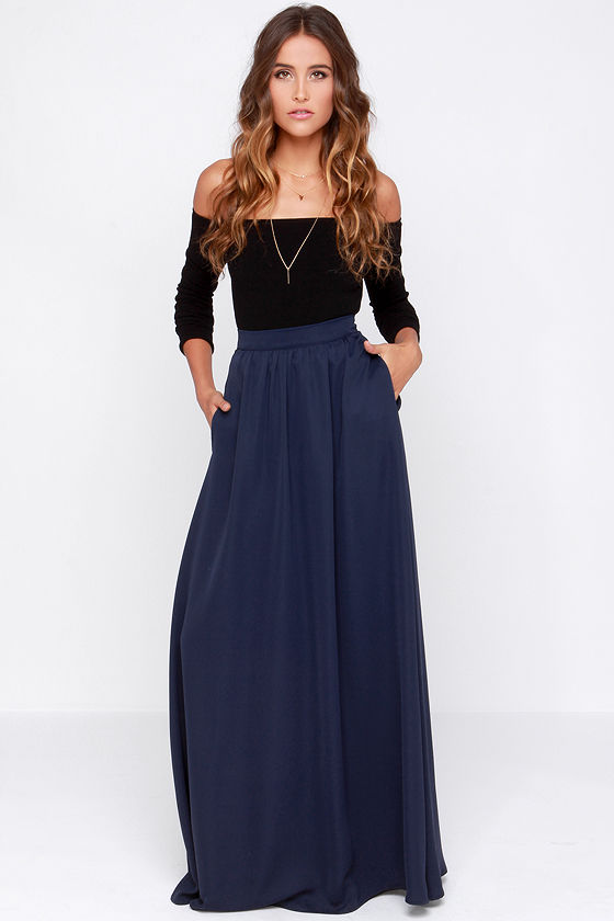 Best way to wear a blue maxi skirt