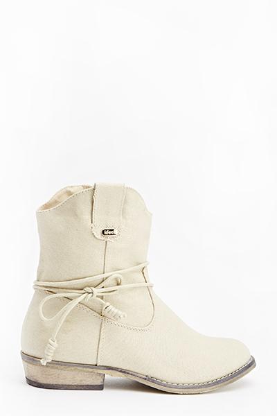 tie up beige boots GZNZAGK