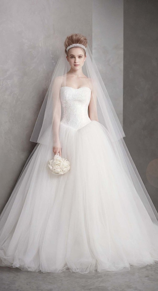 The beautiful Vera Wang wedding dress