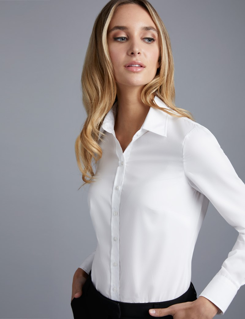 Get an Awesome Look with Women's White Shirts