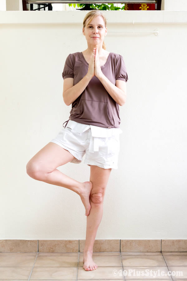 Enjoy yoga sessions comfortably with Yoga clothes for Women